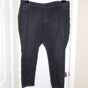 30/32 Avenue Black Denim Jeggings Jeans EUC